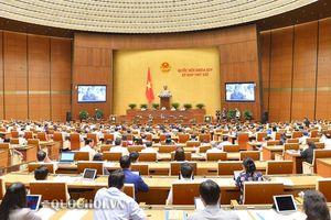 Đại biểu Quốc hội thảo luận các giải pháp nhằm thực hiện thắng lợi mục tiêu phát triển kinh tế - xã hội