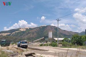 Dân phản đối trạm bê tông không phép gây ô nhiễm môi trường