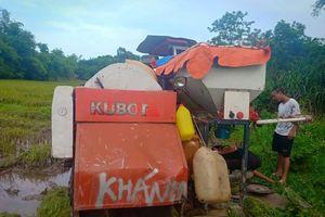 Quảng Ninh: Chủ máy gặt kêu cứu vì bị đập phá máy tại ruộng