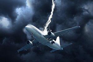Hãng hàng không gặp sự cố sét đánh hai lần trong 12 giờ