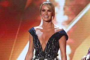 Giám khảo Britain's Got Talent tiếp tục mặc hở bạo dù bị chỉ trích