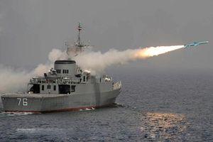 Tên lửa chống hạm Iran có làm tàu chiến Mỹ phải quay đầu?