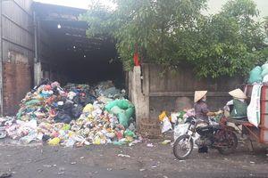 Cư dân, chủ đầu tư khốn khổ vì rác thải