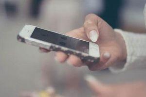 3 bệnh xương khớp hay gặp do smartphone gây ra, bệnh nào cũng đau đớn khó chịu