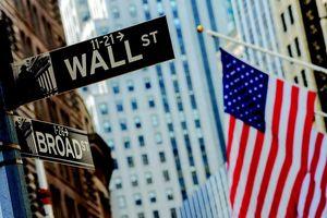 Chứng khoán Mỹ 'bay' 4 nghìn tỷ USD vốn hóa trong tháng 5