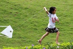 Thiếu nhi Hà Nội thích thú khám phá trò chơi dân gian
