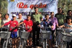 Hội Phụ nữ Công an tỉnh Quảng Ngãi: Ra quân 'Ngày thứ 7 tình nguyện'