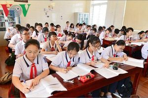 Áp lực đỗ lớp 10 công lập, học sinh và phụ huynh 'thấp thỏm' không yên