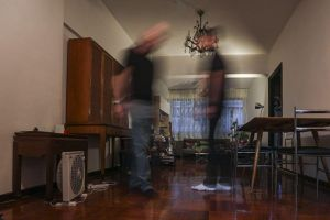 Giải mã ngôi nhà ma ám ở Hong Kong và người thuê nhà 'không bỏ cuộc'