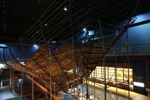 Xác tàu đắm hé lộ bí mật về kho tàng gốm sứ Trung Quốc