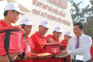 Trao 2.000 lá cờ Tổ quốc cho ngư dân tỉnh Cà Mau