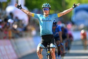 Giro d'Italia: Lopez đánh CĐV, Bilbao thắng chặng đua 'Nữ hoàng'