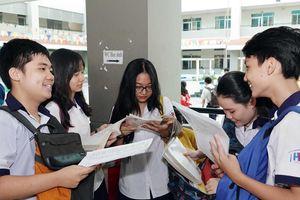 Tuyển sinh lớp 10 tại TP.HCM: Đề thi tiếng Anh gây khó thí sinh phần từ vựng