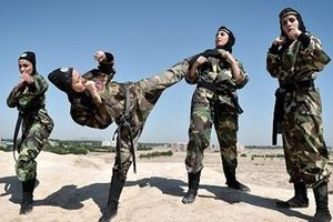 Đội quân nữ đặc nhiệm của Iran luyện tập như 'Ngọa hổ tàng long'