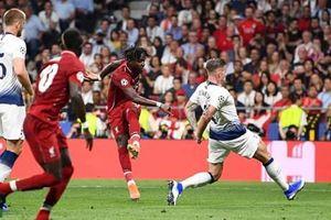 Cận cảnh 2 bàn thắng của Salah và Origi đưa Liverpool lên đỉnh