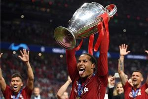 Liverpool vô địch, Van Dijk vẫn 'nhường' QBV cho Messi
