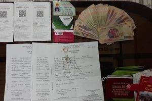 Nhân viên đường sắt liên tiếp phát hiện số tiền lớn khách bỏ quên