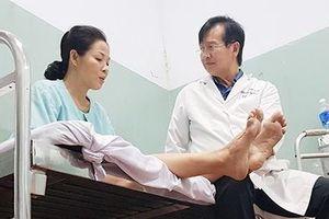 Hành trình 10 năm tái sinh nhiều cuộc đời của bác sỹ Pháp gốc Việt