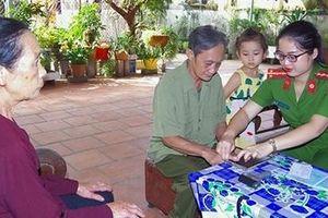 Công an thị xã Phổ Yên về cơ sở cấp CMND cho công dân