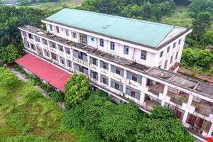 Khung cảnh hoang tàn của bệnh viện 1000 giường bị bỏ hoang ở Hà Nội