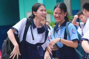 Chùm ảnh: Học sinh cười tươi sau khi thi Toán, đề vừa sức nhưng không dễ đạt điểm tối đa
