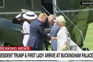 Hình ảnh vợ chồng Tổng thống Trump gặp Hoàng gia Anh