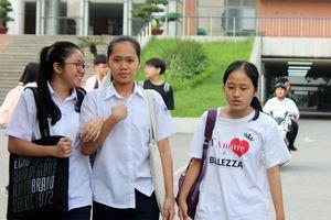 Đề Toán thi vào lớp 10 chuyên Tin tại Hà Nội