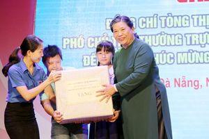 Phó Chủ tịch Thường trực Quốc hội Tòng Thị Phóng thăm thiếu nhi Đà Nẵng, Quảng Nam