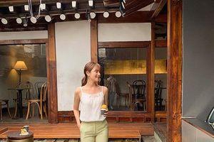 4 mẫu áo mát rượi 'đánh bay' nắng nóng mùa hè