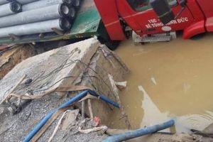 Hà Nội: Vỡ đường ống Nhà máy nước mặt sông Đuống, 3 quận bị ảnh hưởng