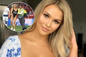 Người mẫu vừa có màn khoe thân táo bạo tại chung kết Champions League là ai?