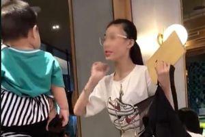 Nóng mạng xã hội: Nổi sóng 'cầm nhầm' ví Gucci 1200 USD còn lớn tiếng 'chị hiểu hông?'
