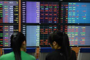 Phiên đầu tháng 6 VN-Index mất mốc 950 điểm