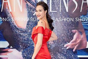 Siêu mẫu Phương Mai bất ngờ thông báo sắp kết hôn với chồng tây