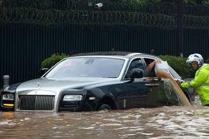 Kinh nghiệm mua ô tô cũ: 5 dấu hiệu của một chiếc xe đã bị ngập nước