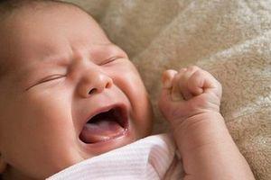 Để trẻ thôi khóc đêm mẹ hãy áp dụng ngay 5 điều sau đây