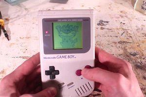 Cận cảnh quá trình phục chế máy chơi game cầm tay Game Boy