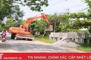 'Thay áo mới' tuyến đường nối TP Hà Tĩnh với các xã bãi ngang Thạch Hà