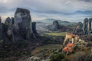 Tu viện trên đỉnh núi