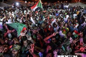 Chính biến ở Sudan: Quân đội bác bỏ sử dụng vũ lực giải tán biểu tình