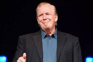 Tổng thống Trump bất ngờ xuất hiện với kiểu tóc mới