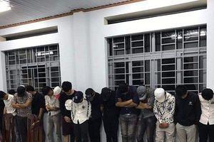 Đột kích quán karaoke, phát hiện hơn 30 nam nữ đang mở tiệc ma túy