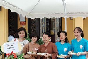 CLB Thanh thiếu niên Phật tử Chùa Quán Sứ hưởng ứng ngày Môi trường thế giới