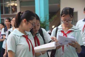 Học sinh TP HCM đánh giá đề thi Toán 'căn bản và vừa sức'