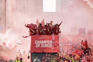 CĐV Liverpool nhuộm đỏ thành phố đón cúp vô địch Champions League