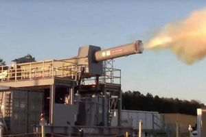 Mỹ trang bị siêu pháo điện từ cạnh tranh với Trung Quốc?