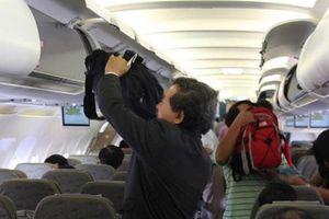 Báo động nạn chôm đồ trên máy bay