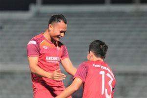 Tiếng cười rộn rã tại buổi tập của ĐTVN trước trận Thái Lan