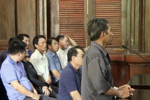 Tuyên án đường dây Việt kiều buôn lậu ôtô, có nhiều cán bộ công an xã tham gia