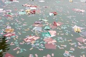 Huế: Công an vào cuộc vụ rải lượng lớn vàng mã xuống sông